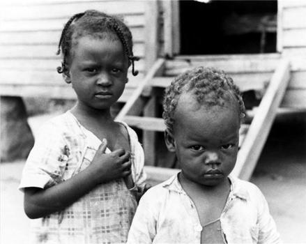Walker Evans. Negro Children, 1936.