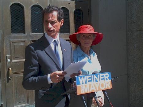 Former congressman and mayoral candidate Anthony Weiner with his mother Frances Weiner.