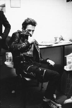 Joe Strummer, late 1970s. Courtesy of The Metropolitan Museum of Art, Photograph © Pennie Smith