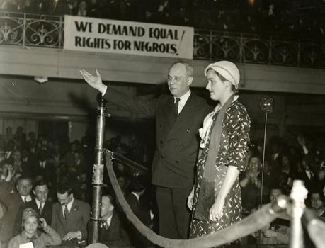 Attorney Samuel Liebowitz introduces Ruby Bates as a speaker at the Scottsboro protest meeting in New York City on May 5, 1933.