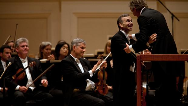 Violinist Gil Shaham filled in at the last moment on the program after the original soloist became ill.