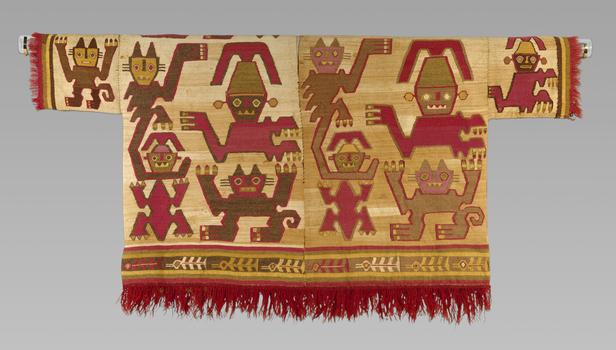 The Met has just opened an absolutely exquisite (if small) exhibit devoted to pre-Columbian Andean textiles. This weaving was produced by the Chimú culture, of northern Peru, between 1460-1540.