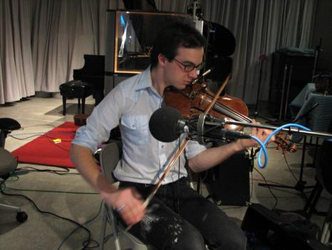 Snowblink (Daniela Gesundheit) and Luxury Pond (Dan Goldman) perform with Caley Monahon-Ward in the WNYC Studio on Spinning On Air with David Garland