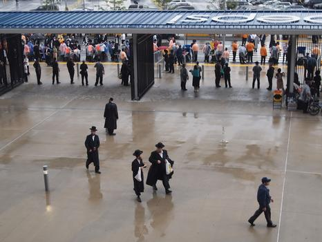 Attendees entering MetLife stadium