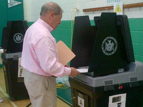 Congressman Bob Turner voted in Queens on Tuesday morning. He is seeking to take on incumbent Kirsten Gillibrand in November.