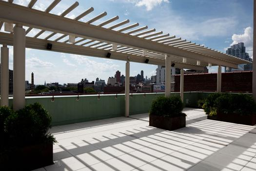 The Geraldine Stutz Gardens on the roof were designed by Starr Whitehouse Landscape Architects and Planners and were installed by New York Green Roofs.