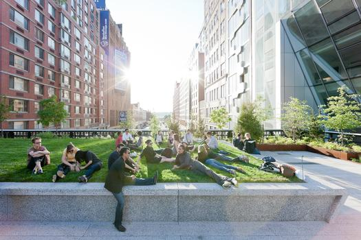 The High Line, 23rd Street Lawn, the northern end of the 4,900-square-foot lawn peels up over West 23rd Street, looking West, toward the Hudson River, 2011