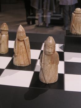 The beserker, a rook in this set, is a crazed warrior figure from Norse mythology. His appearance in the set helped trace its origins to Norway.
