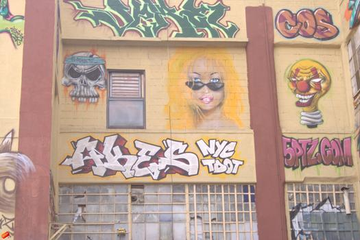 5Pointz takes its name from the five boroughs of New York City.