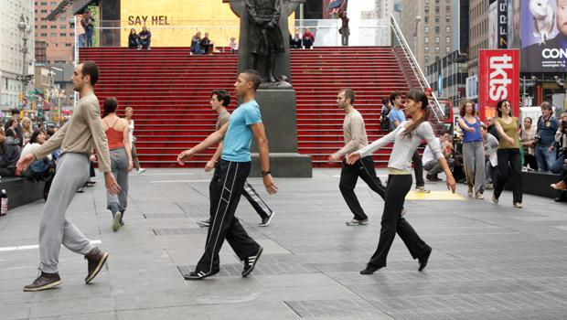 Shen Wei Dance Arts perform at Duffy Square