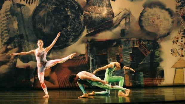 "In 2000, company dancers Andrea Weber, Daniel Roberts, Jonah Bokaer performed Cunningham's ""Interscape."" The costumes and backdrop were designed by Rauschenberg."