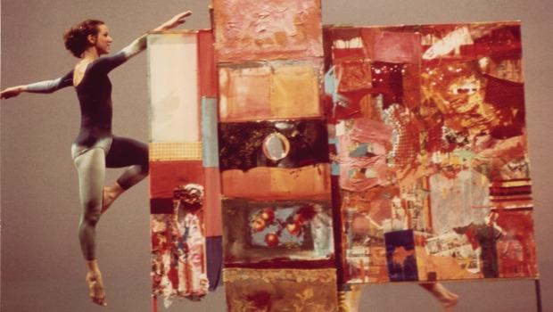 """Minutiae"" against the backdrop of Rauschenberg's work of the same name in 1954. This is one of the earliest and largest freestanding multimedia combines he created."