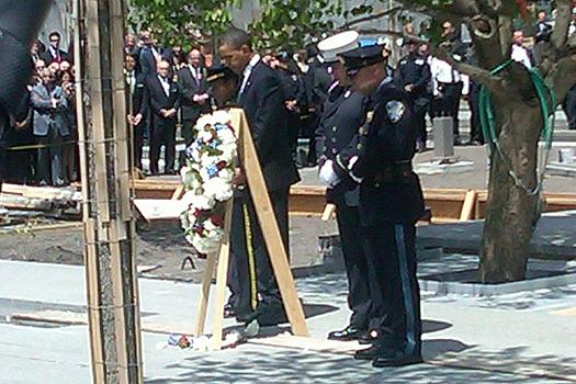 Obama lays a wreath at Ground Zero