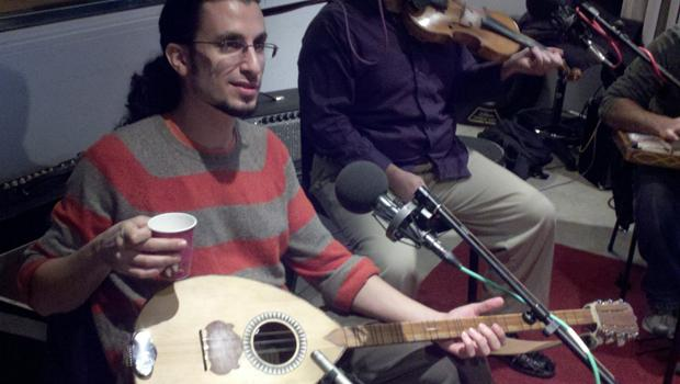 Tareq Abboushi, buzuq & vocals (and cup of water)