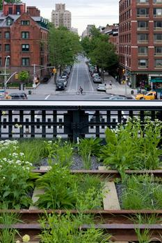 The High Line, typical cross street, West 20th Street, looking East, 2009