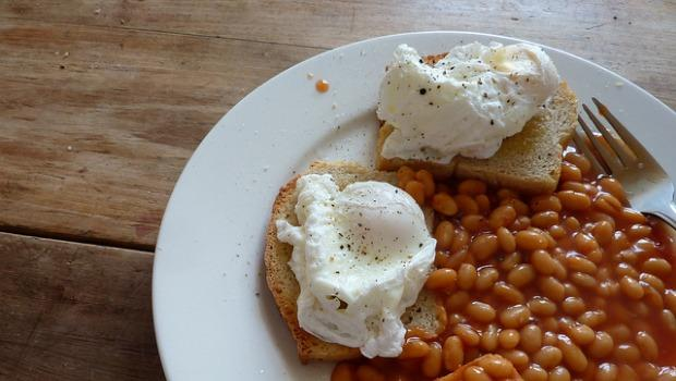 For the beaners, eggs and toast with baked beans.