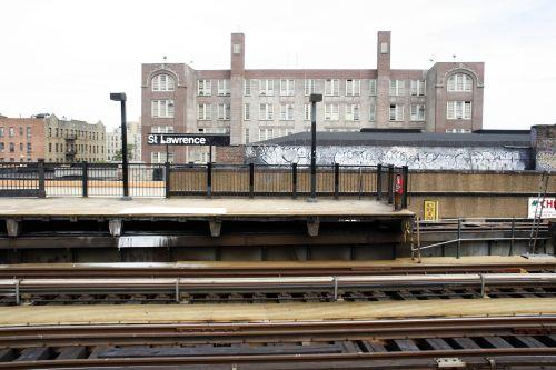 Train station nearest to Sotomayor\'s childhood home in Bronxdale