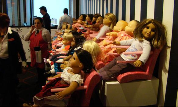 In the cafe, customers can pick up an American Girl doll to be their dining companion.