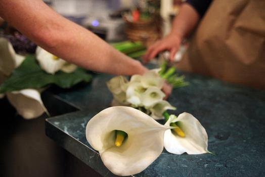 The simplicity of form in calla lilies actually makes them the most difficult flower to recreate artificially.