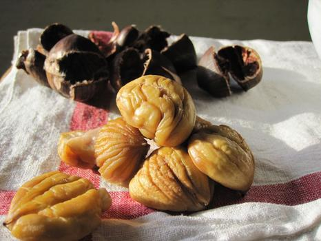 Unshelled chestnuts, vulnerable and ready for consumption.