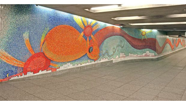 'Stream' (2001) © Elizabeth Murray, 23rd Street–Ely Avenue/Long Island City–Court Square Station, MTA New York City Transit.