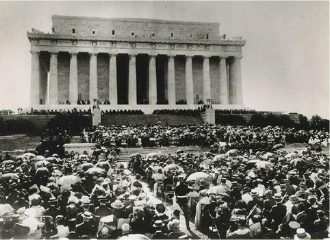 Lincoln Memorial Dedication Ceremony - May 30, 1922.