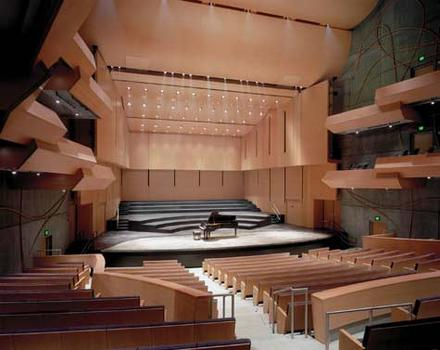 The Richard B. Fisher Center at Bard College, Auditorium