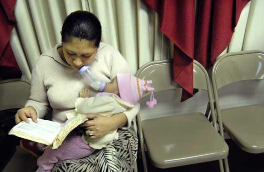 Stephanie Keith, Katy Penado with daughter, Sara, Iglesia de Christo, 2008