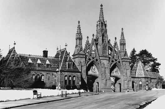 Green-Wood Cemetery Gates, including attached Comfort Station and Office, 1861–65; 1996. Fifth Avenue and 25th Street, Brooklyn