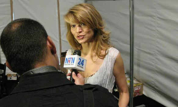 Gulnara Karimova makes some time for the press