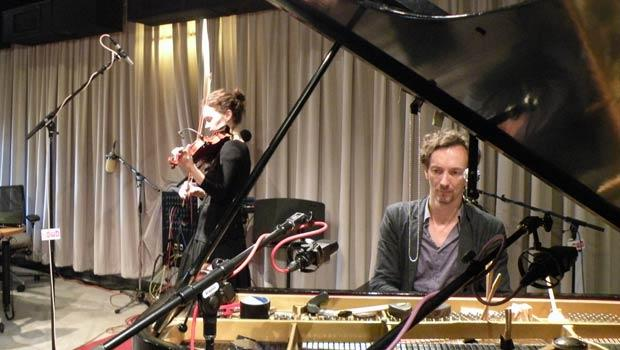 Hilary Hahn & Hauschka improvise another piece