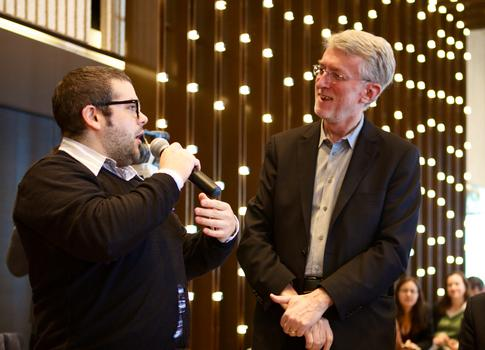 <strong>Jeff Jarvis, journalist and creator of BuzzMachine (on right above)</strong>
