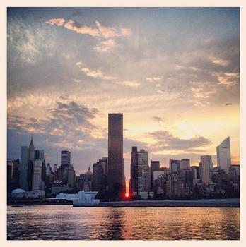 Manhattanhenge from Long Island City - July 11, 2012