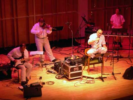 <strong>The Zippo Band with tightly coiled vocalist Theo Bleckmann, 9/28/04. </strong>