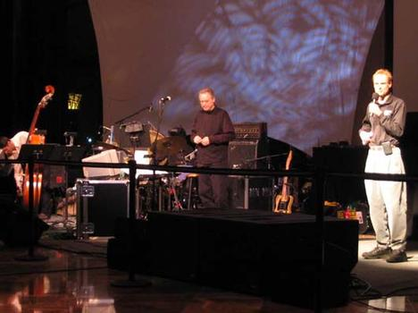<strong>John Schaefer thanks the members of the Bill Frisell trio, 1/15/04.</strong>