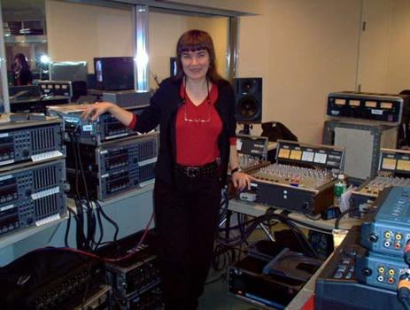 <strong>WNYC engineer Irene Trudel and the equipment, 12/9/03.</strong>