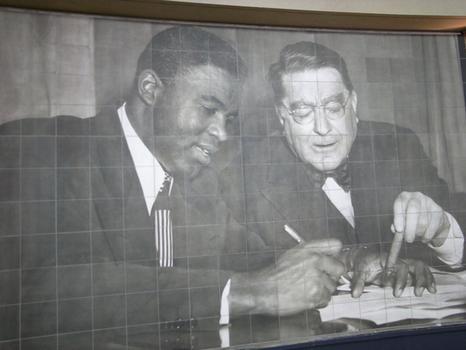 Jackie Robinson mural