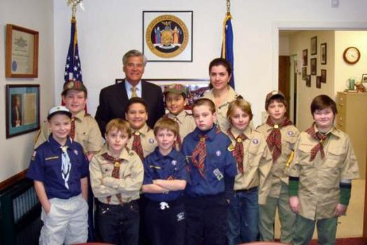 Senator Skelos meets with Rockville Centre Boy Scouts