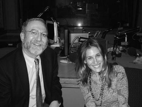 Leonard with actor Sarah Jessica Parker, 2005.