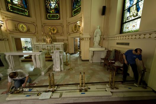The dismantling of the chapel's contents.