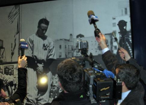 """Reporters listen to his \""""Luckiest Man Alive\"""" speech"""