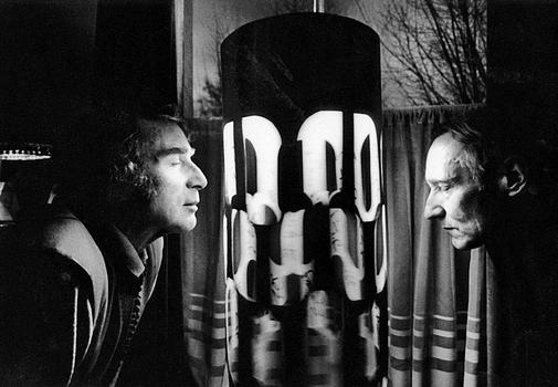 William Burroughs and Brion Gysin with the Dream Machine