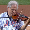Itzhak Perlman performs the national anthem at Citi Field.