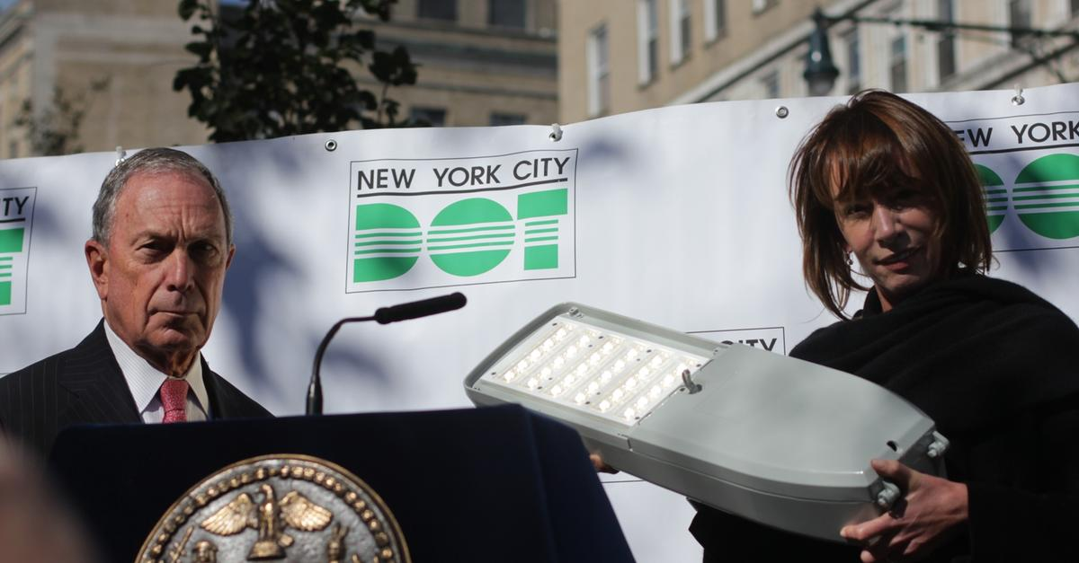 Nyc S Quot Horror Show Quot Streetlights To Be Replaced Wnyc