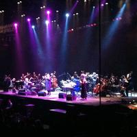 Cantor Yitzchak Meir Helfgot, violinist Itzhak Perlman and orchestra at the Barclays Center