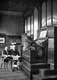 A recording session in 1913 with Max Reger for the Welte-Philharmonic-Organ.