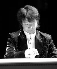 Organist Weicheng Zhao.
