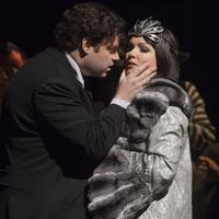 Joseph Calleja as Hoffmann and Anna Netrebko as Stella in Offenbach's