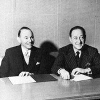 Jascha Heifetz (right) with former WQXR music director Abram Chasins