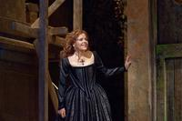 Renée Fleming as the title character in Handel's 'Rodelinda' at the Met